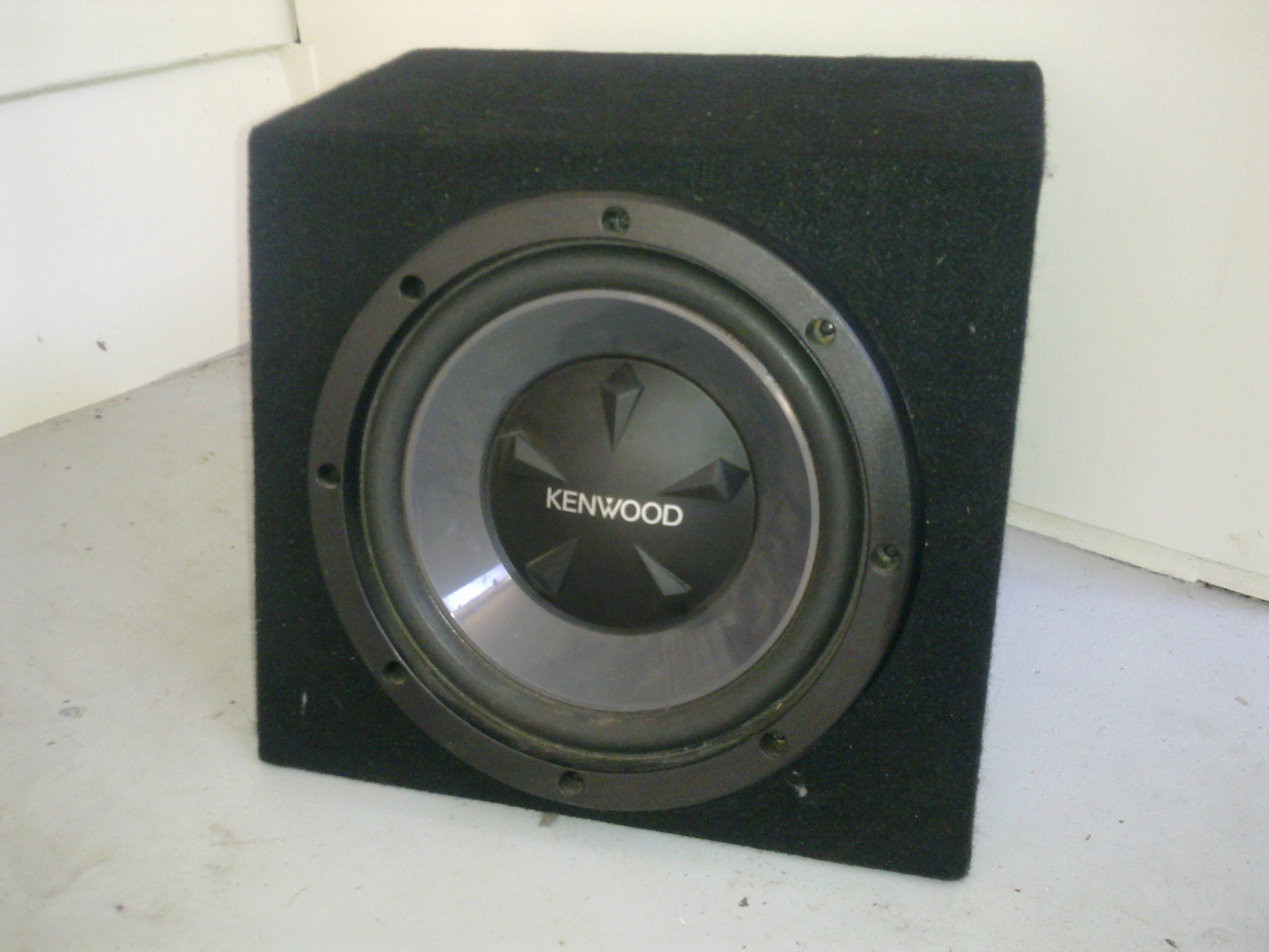 Kenwood inch subwoofer in box