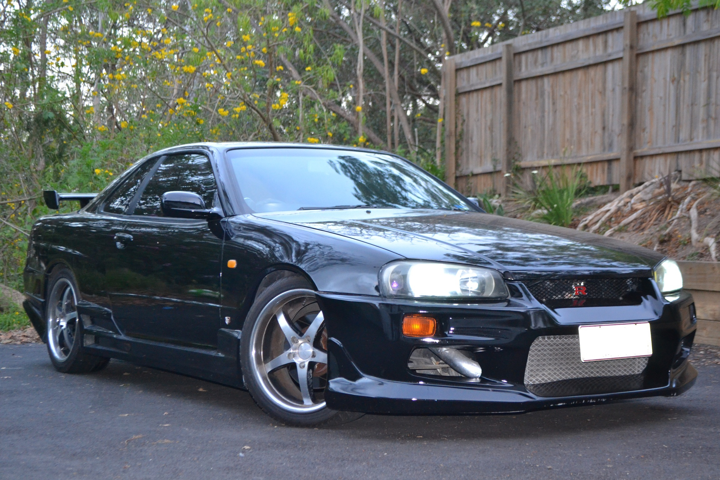 nissan skyline r34 for sale nissan skyline r34 gt r the autos post. Black Bedroom Furniture Sets. Home Design Ideas