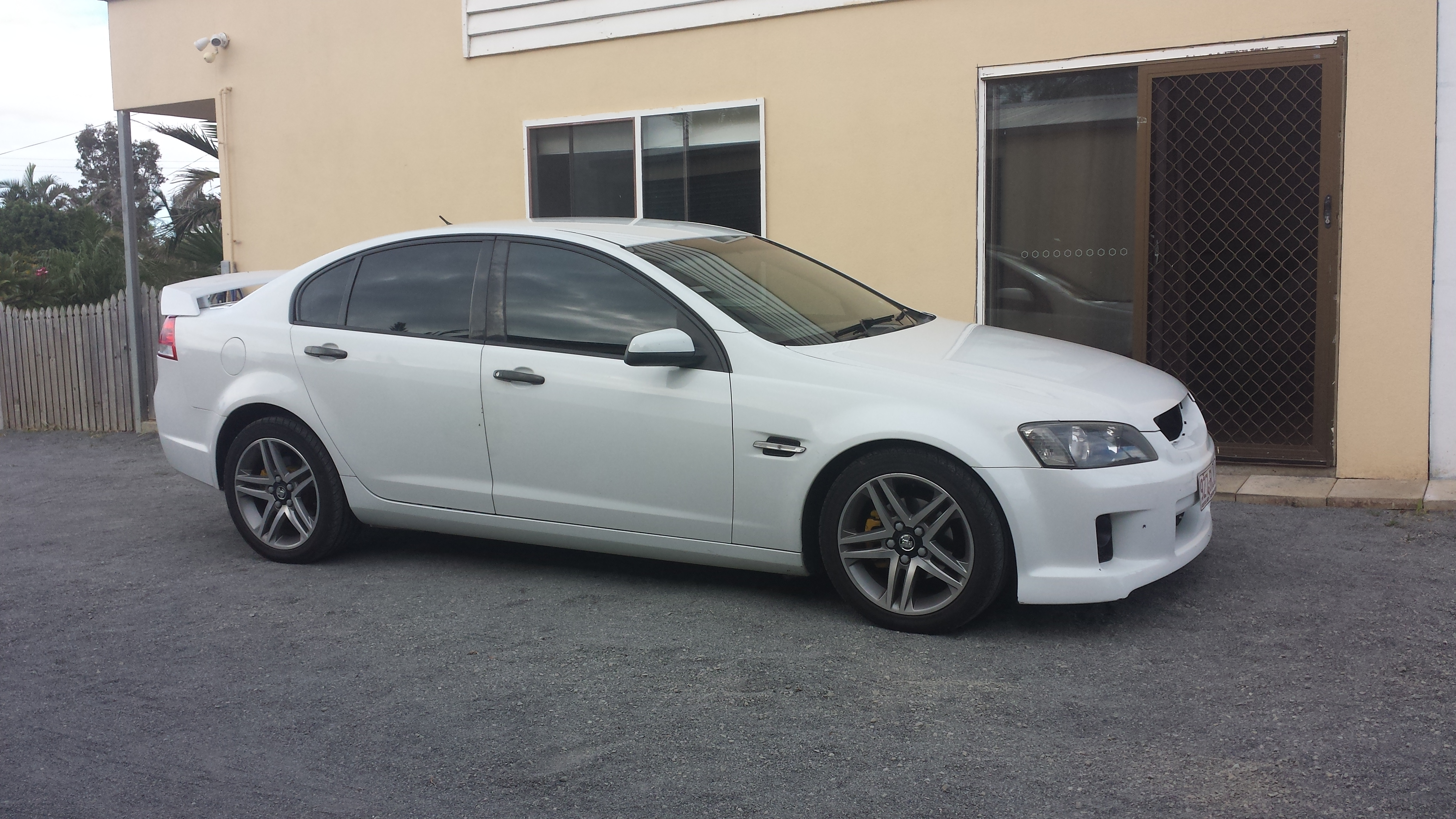 2006 Holden Commodore Omega Ve Related Infomation